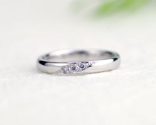 シンプルなダイヤ結婚指輪